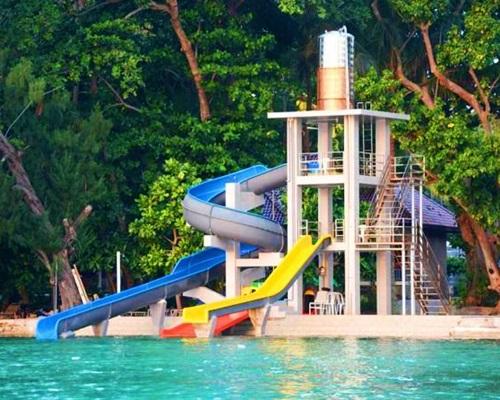 Pulau Putri Resort - Waterslide - Travel Seru