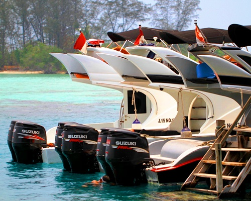 Sewa Kapal Speedboat Marina Ancol - Travelserucom