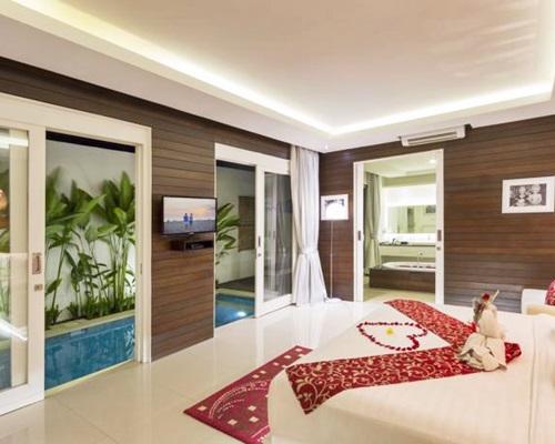 Bali Crown Astana Honeymoon Villa - Bedroom Villa